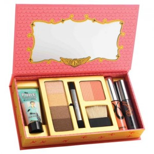palette de maquillage collector she's so... jetset de too faced