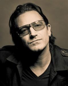 Boucle d'oreille de Bono
