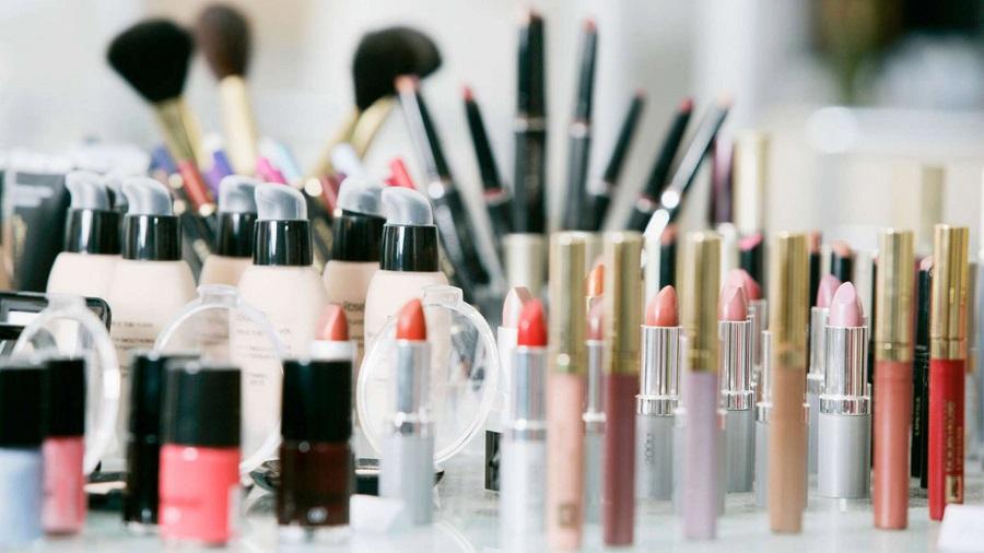 Pourquoi recourir aux services d'un spécialiste dans la mise en conformité cosmétique ?