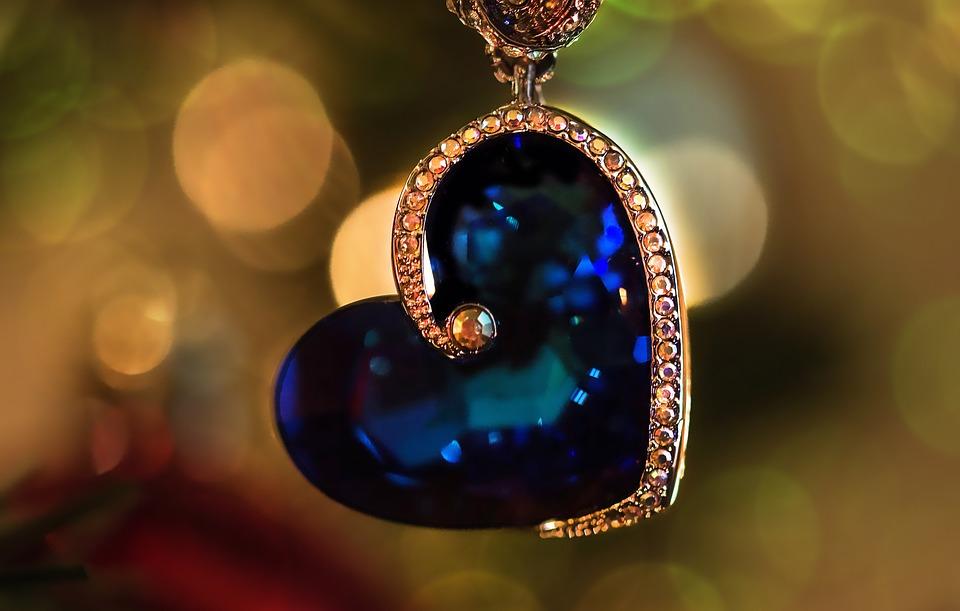 Bijou pendentif cœur