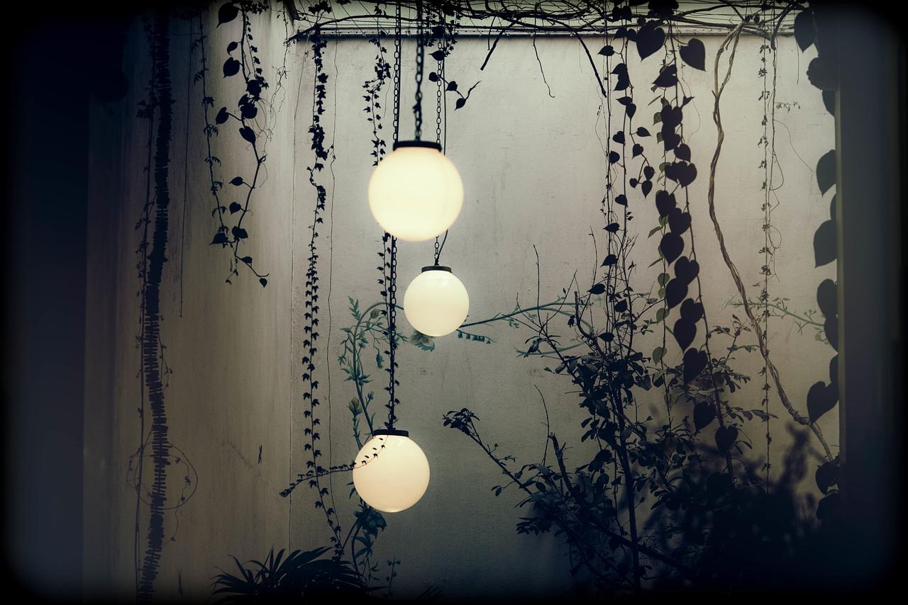 Luminaires et mobiliers : bien équiper sa terrasse
