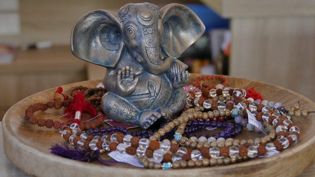 Bracelets bouddhistes coupelle