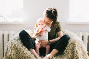 Maman bébé chaise à bascule